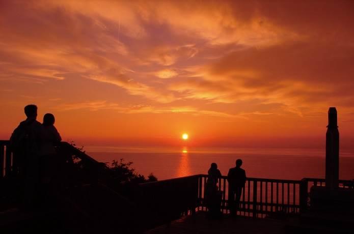 恋人岬と夕日
