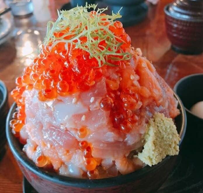 伊豆高原ビールの海鮮丼の画像