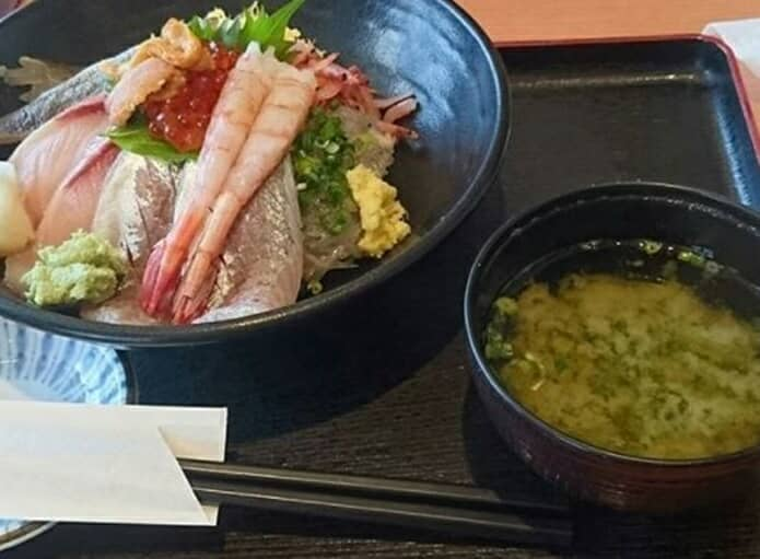 伊豆太郎の伊豆マリンタウンの海鮮丼の画像