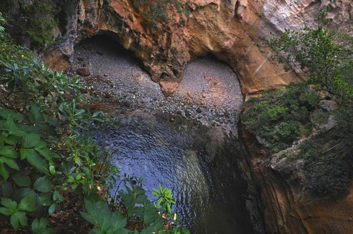 龍宮窟の画像