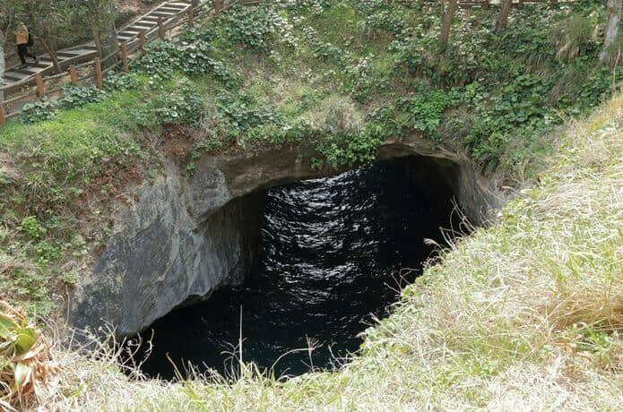 堂ヶ島の天窓洞