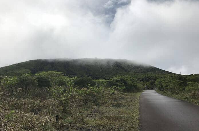 三原山の歩道