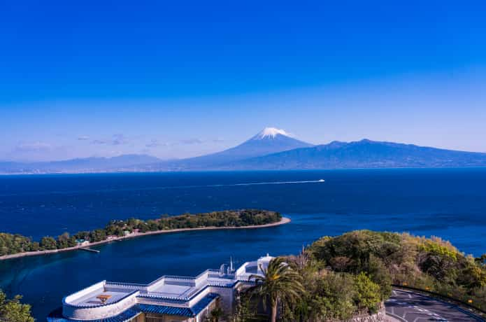 吟道之碑から望む富士山、大瀬崎