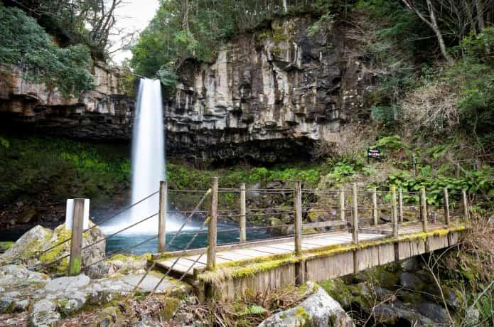 萬城の滝と橋