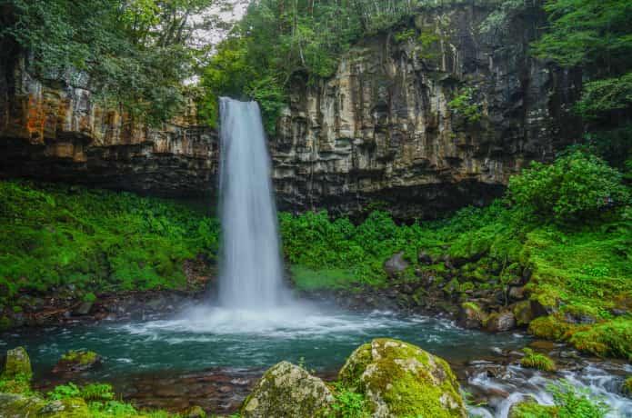 萬城の滝」穴場すぎる名瀑をみにいこう! IZU HACK
