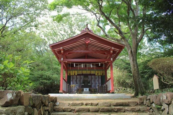 伊豆山神社 本宮社